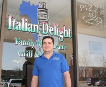 Viny Ruotolo-Sarnataro and Italian Delight wins Community Excellence Award from the US Chamber of Commerce